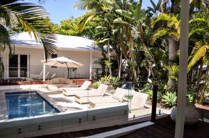 Byron Cove Beach House - Accommodation in Surfers Paradise