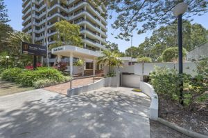 Pacific Towers Beach Resort - Accommodation in Surfers Paradise
