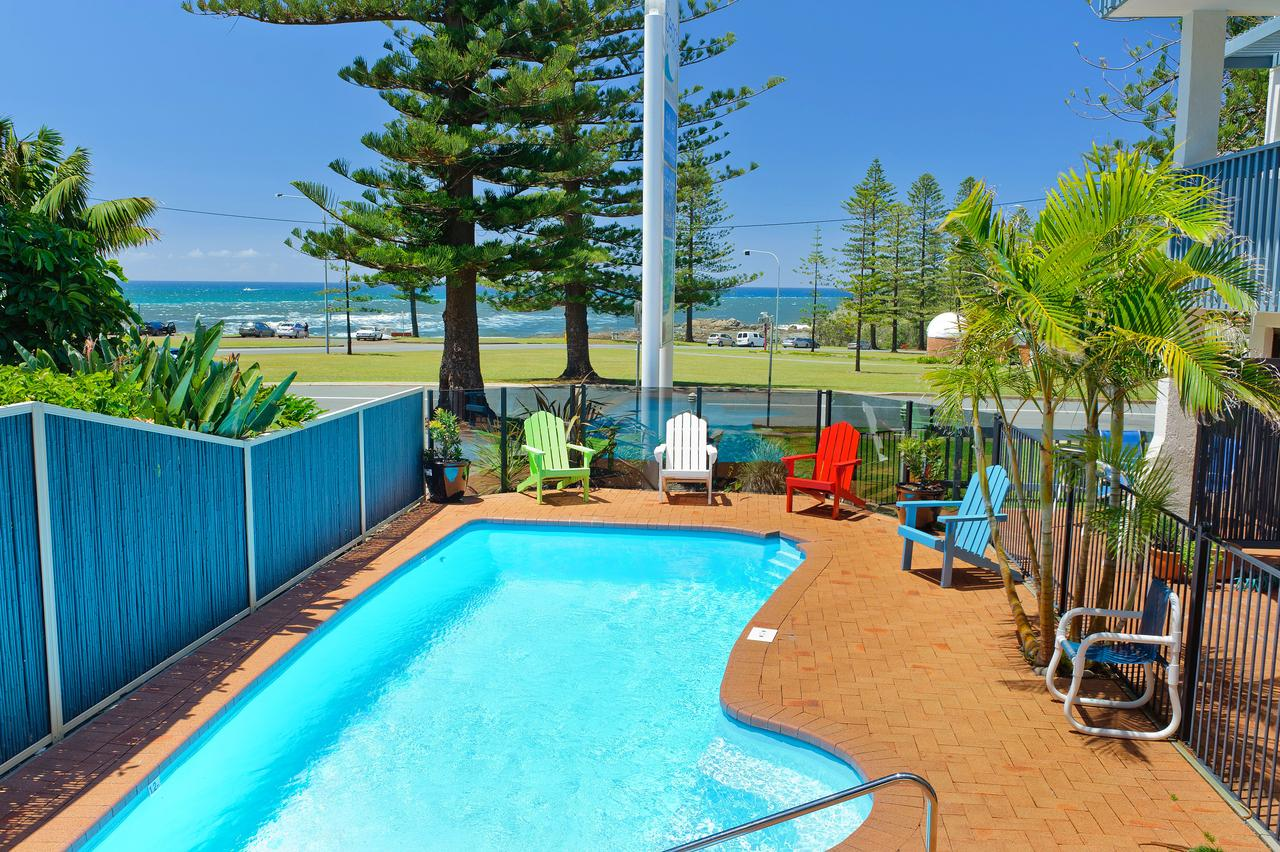 Beach House Holiday Apartments - Accommodation in Surfers Paradise