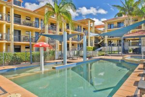 South Pacific Apartments - Accommodation in Surfers Paradise