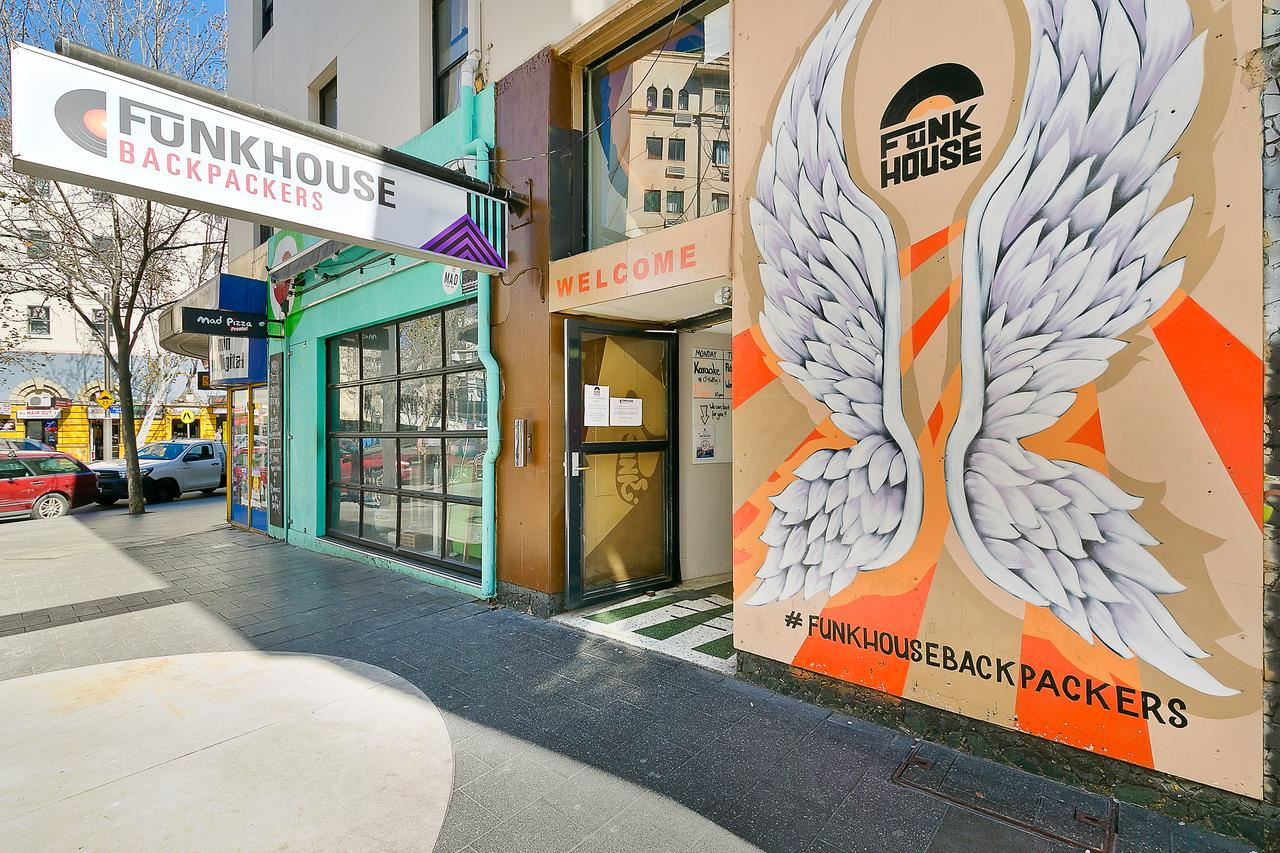 Funk House Backpackers - Accommodation in Surfers Paradise
