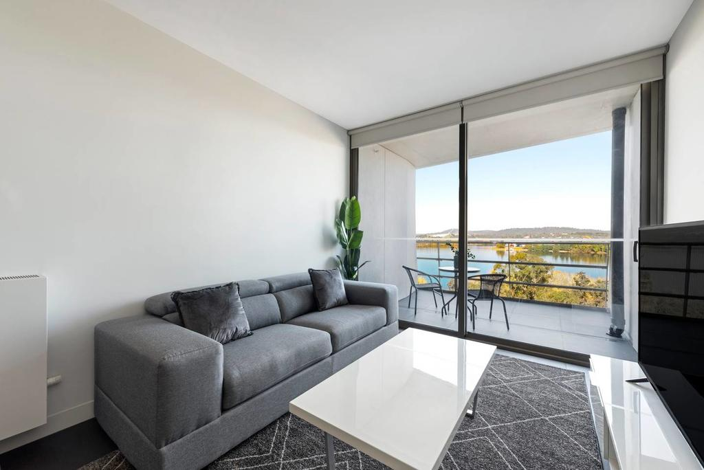 Canberra Luxury Apartment 5 - Accommodation in Surfers Paradise