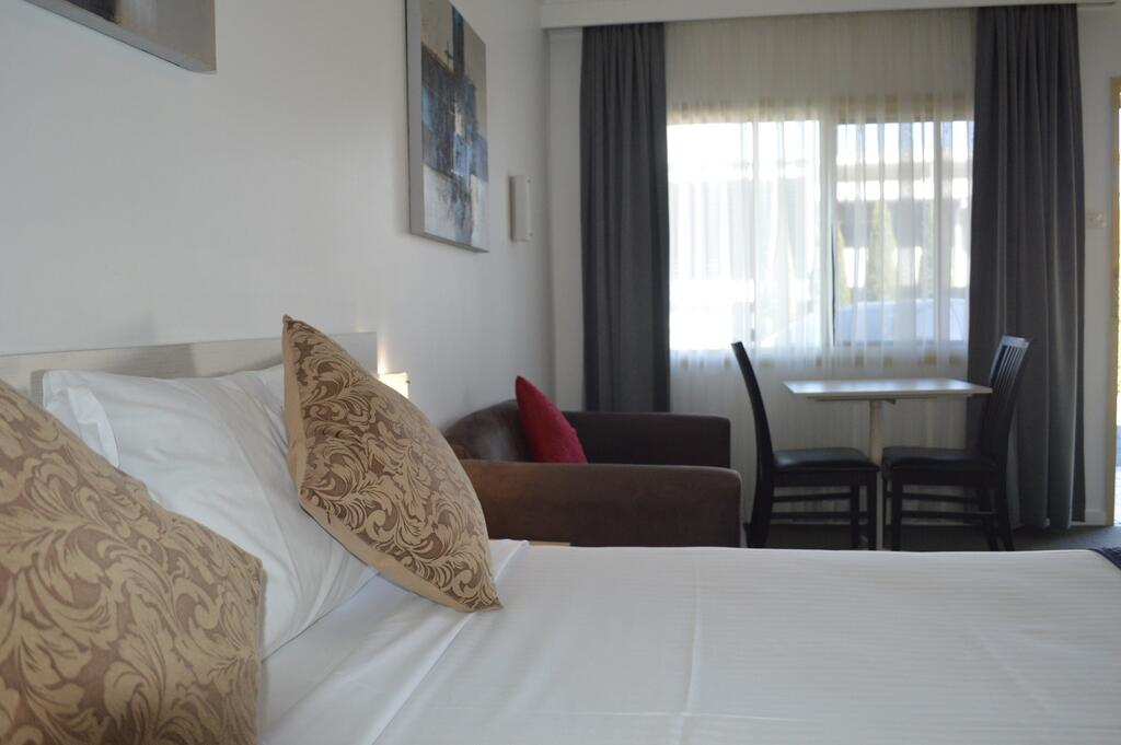 Karinga Motel SureStay Hotel by Best Western - Accommodation in Surfers Paradise