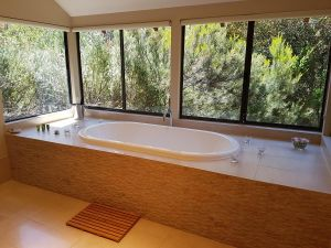 Jarrah Grove Forest Retreat - Accommodation in Surfers Paradise