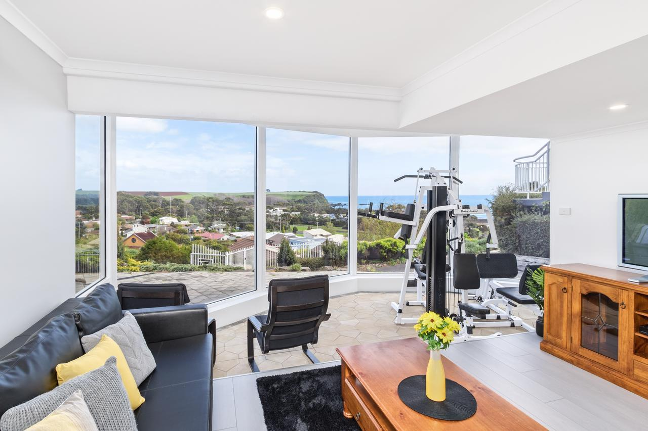 Views Forever - Devonport - Accommodation in Surfers Paradise