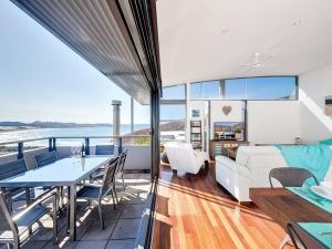 One Mile Cl Townhouse 22 26 The Deckhouse - Accommodation in Surfers Paradise