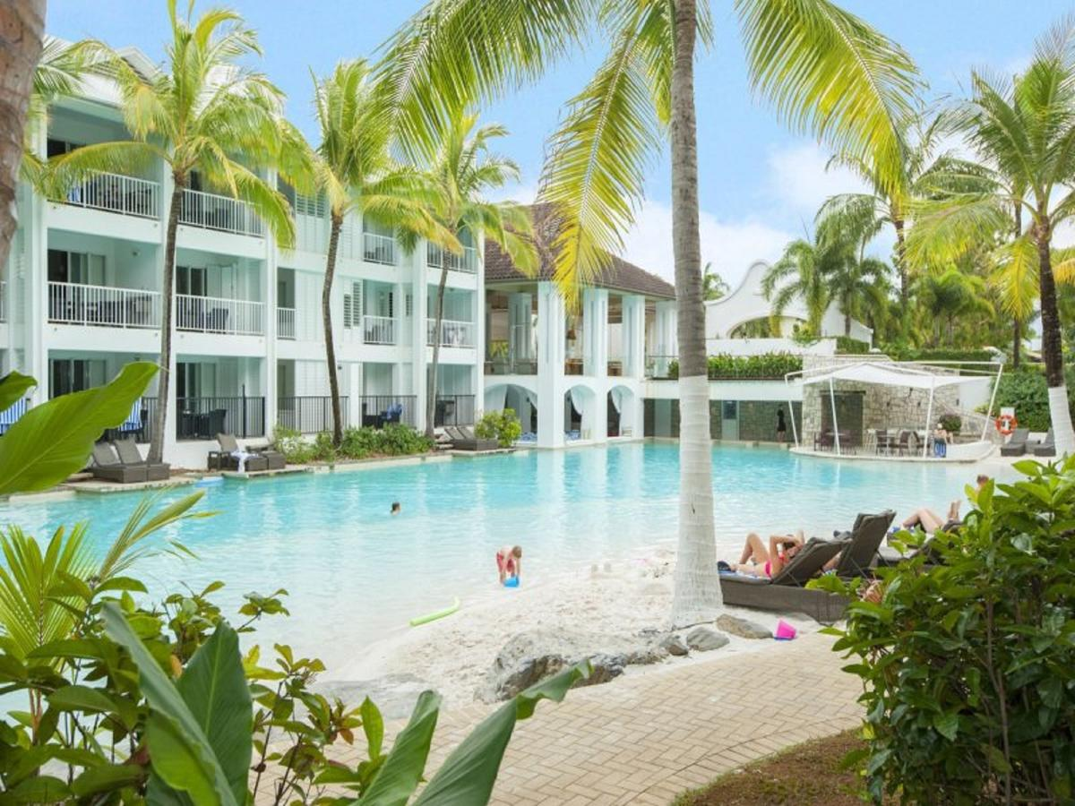 Beach Club Port Douglas 3 Bedroom Luxury Apartment - Accommodation in Surfers Paradise