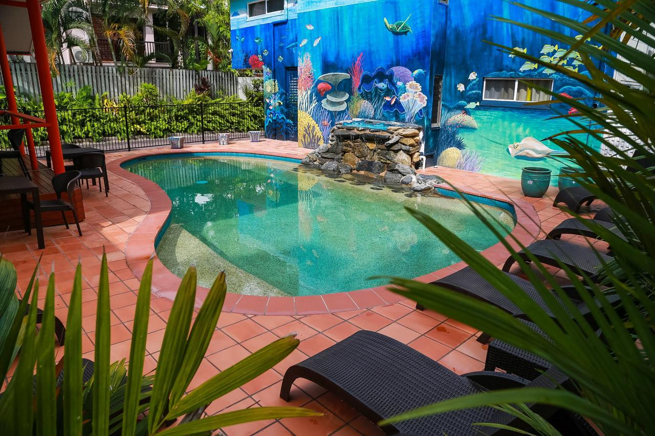 Port Douglas Motel - Accommodation in Surfers Paradise