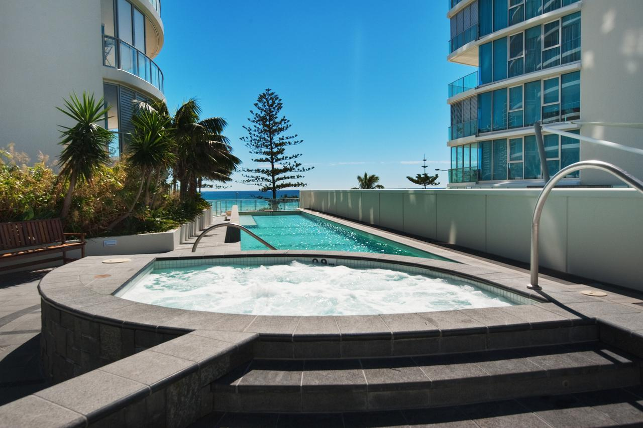 Reflection Tower Two - Accommodation in Surfers Paradise