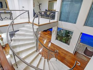 4.5 Million Dollar Dream Mansion in Surfers Paradise