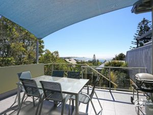 Angourie Blue 1 - Great Ocean Views - Surfing beaches - Accommodation in Surfers Paradise