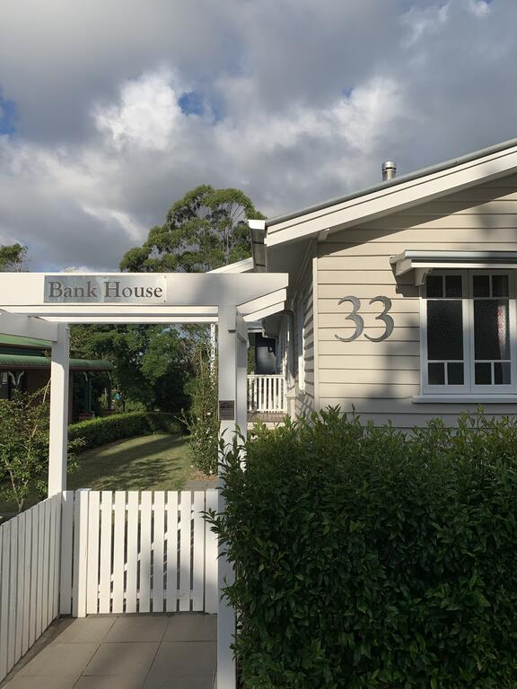 Bank House Tamborine Mountain - Accommodation in Surfers Paradise